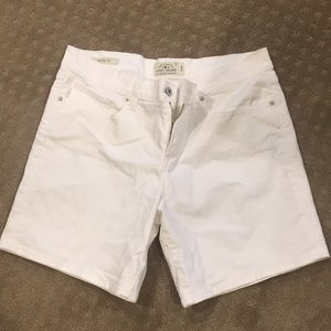 Lucky Brand The Roll Up Shorts sz 10 / 30
